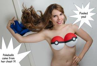 Vivian Vee cosplay por ela mesma sexy gata pokebola boobies
