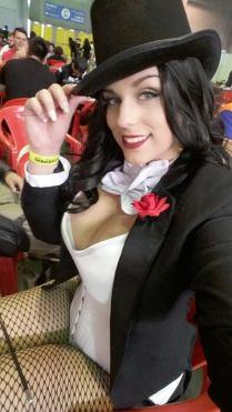 zatanna cosplay sexy gostosa big tits Thábata Cardoso